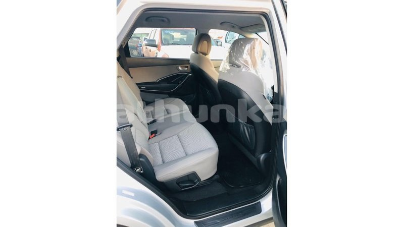 Big with watermark hyundai santa fe baa import dubai 3431