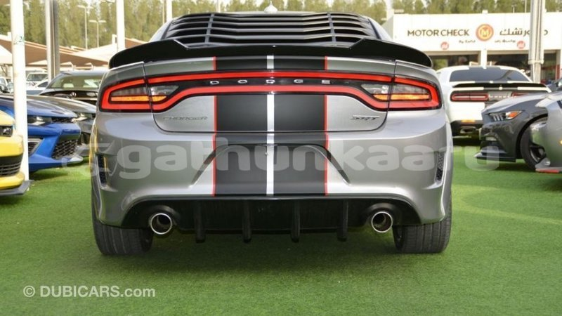 Big with watermark dodge charger baa import dubai 3497