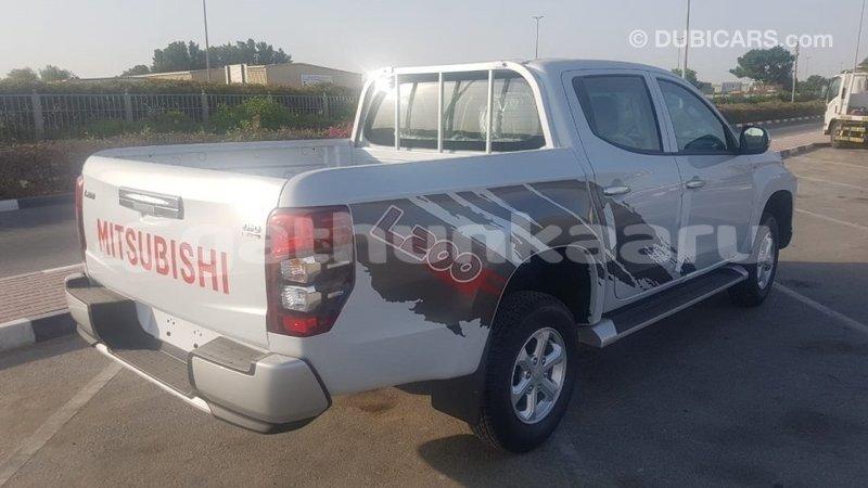 Big with watermark mitsubishi l200 baa import dubai 3717
