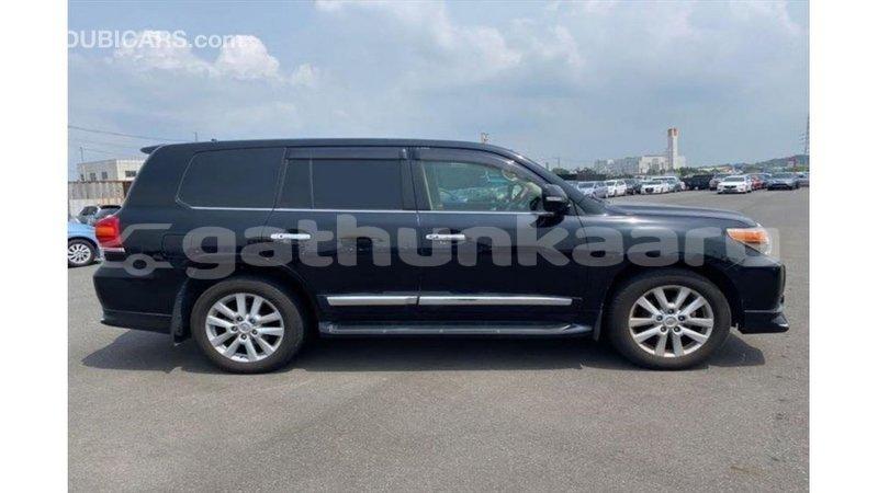 Big with watermark toyota land cruiser baa import dubai 3754