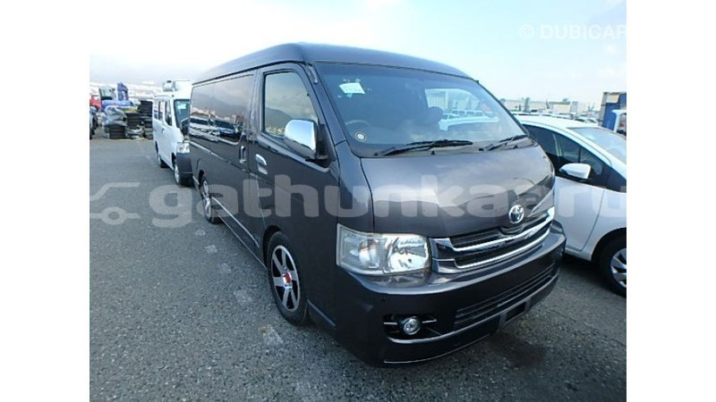 Big with watermark toyota hiace baa import dubai 3779