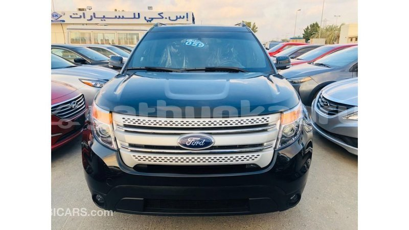 Big with watermark ford explorer baa import dubai 3803